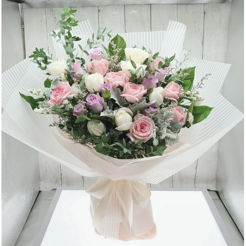 Three Tone Roses Bouquet