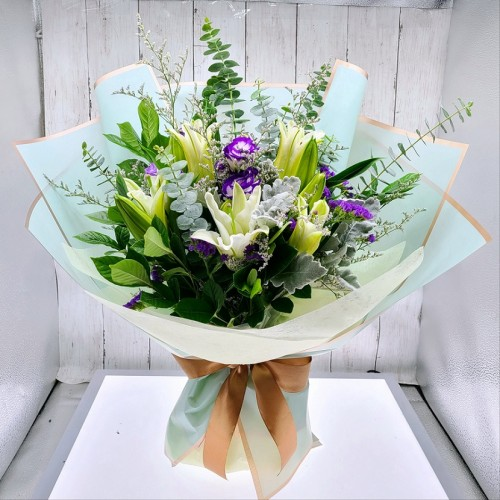 5pcs Pure White Color Lily Bouquet