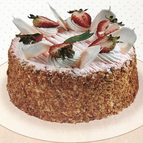 Strawberry Mousse Cake 8''