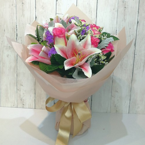 Lily and Rose Bouquet (Colour at your Choice)