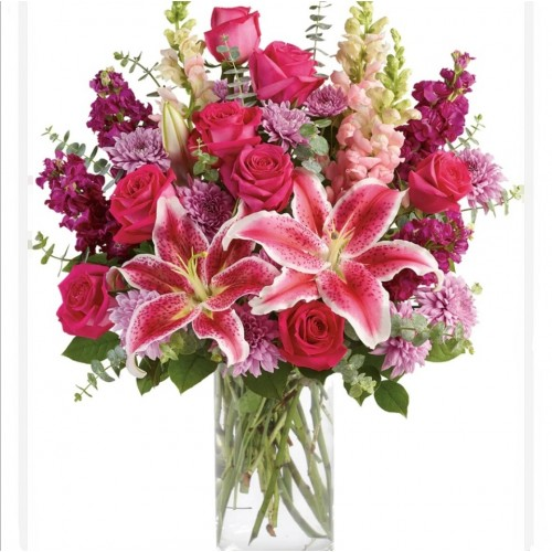 Stunning Lily Bouquet in Vase